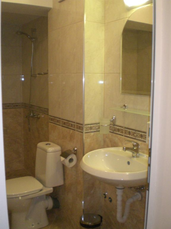 bathroom_double_room_hotel_lozenetz_bellissimo_bulgaria