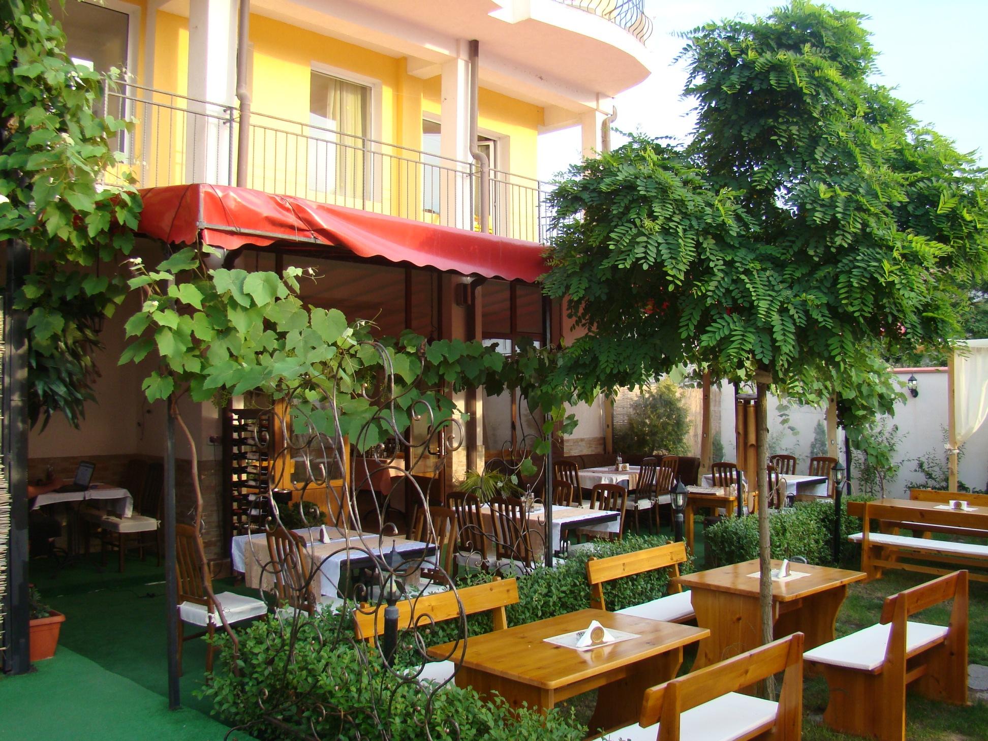 restaurant_gradina_hotel_lozenets_bulgaria